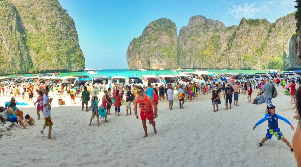 phi phi crowded