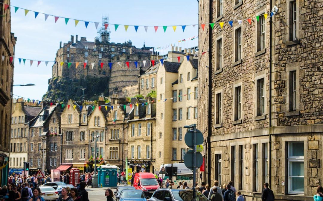 Last minute Edinburgh Fringe Festival accommodation